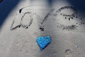 Chat gratuit avec un voyant de l'amour sérieux et reconnu